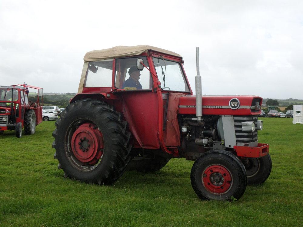 Winning Tractor Massey Ferguson 188 owned by John Tribble