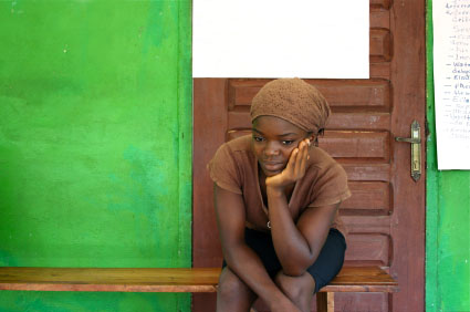 woman-waiting-clinic-Africa-iStock9150563