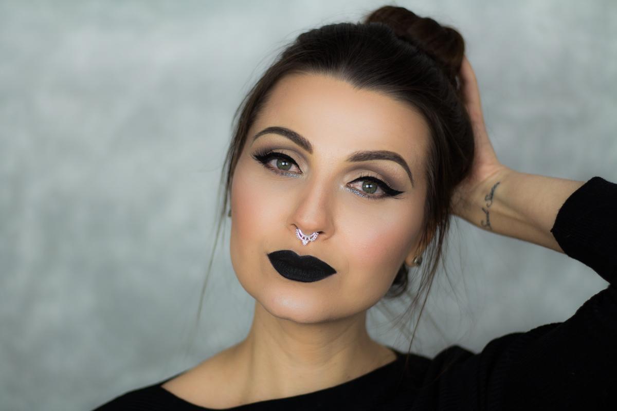 batom preto é tendência