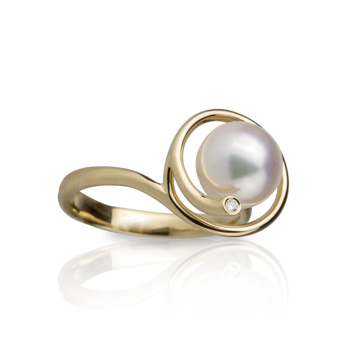 40b373286d69 Anillo en oro con perla y brillantes — JQUIRÓS