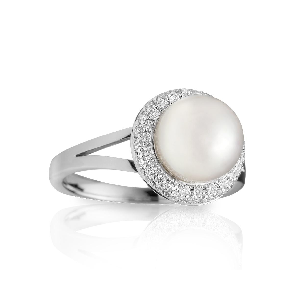 733162f5765e Anillo en oro blanco con perla negra — JQUIRÓS