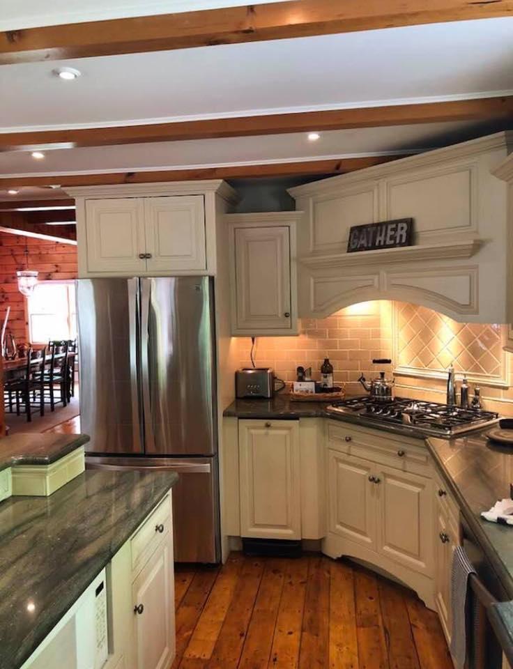 jamis kitchen.jpg