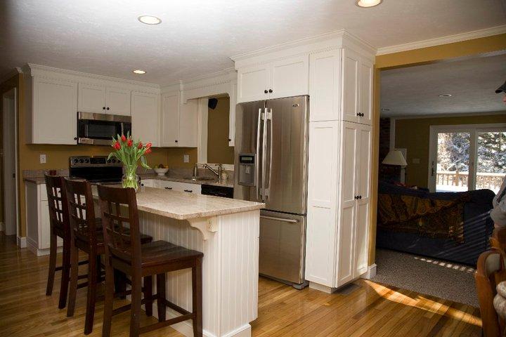 moon kitchen small.jpg