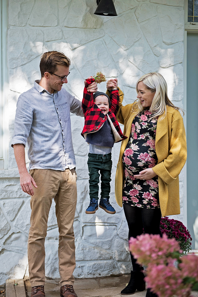 Aurora Ontario maternity photography YouByMia Photography