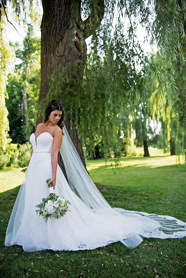 Toronto wedding photographer YouByMia Photography - Bride
