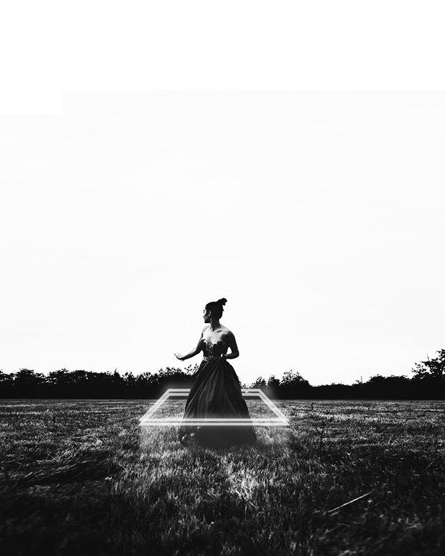 Concentric w/ @felicia.nunn So much white space in this. #romeoshagba #portrait #monochrome