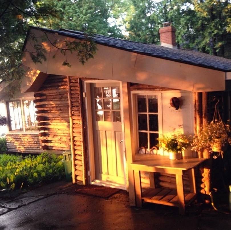 Little-Cottage.jpg