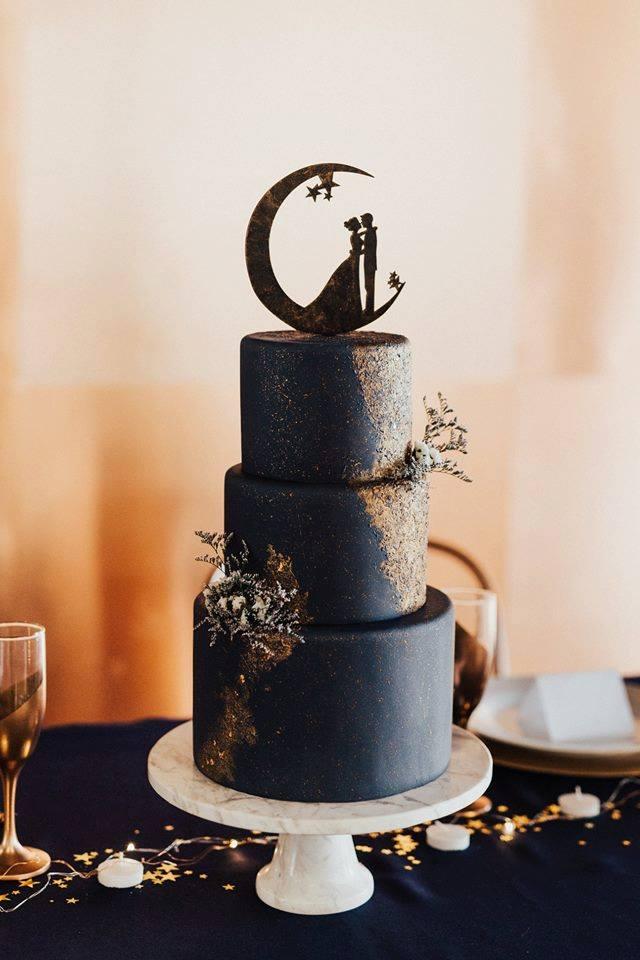 Celestial style wedding cake | Utah Wedding Cakes