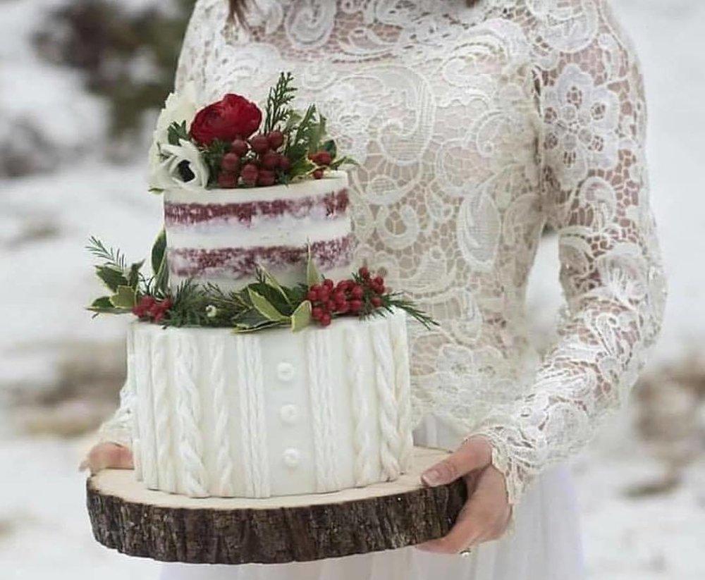 Winter sweater wedding cake | Utah Wedding cakes