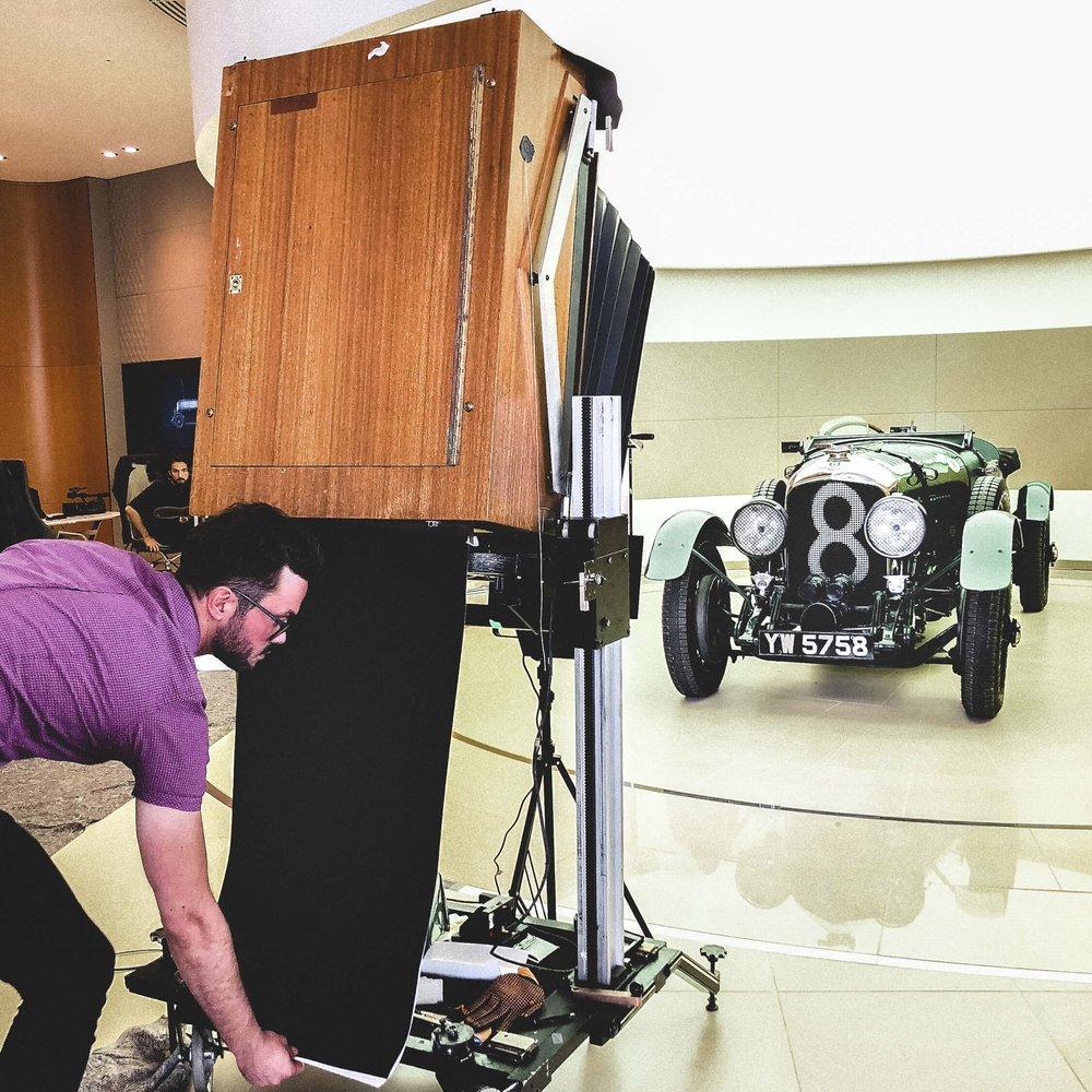 BENTLEY MOTORS   Die wichtigsten Fahrzeuge der Firmengeschichte auf Polaroid 20x24    Weiterlesen