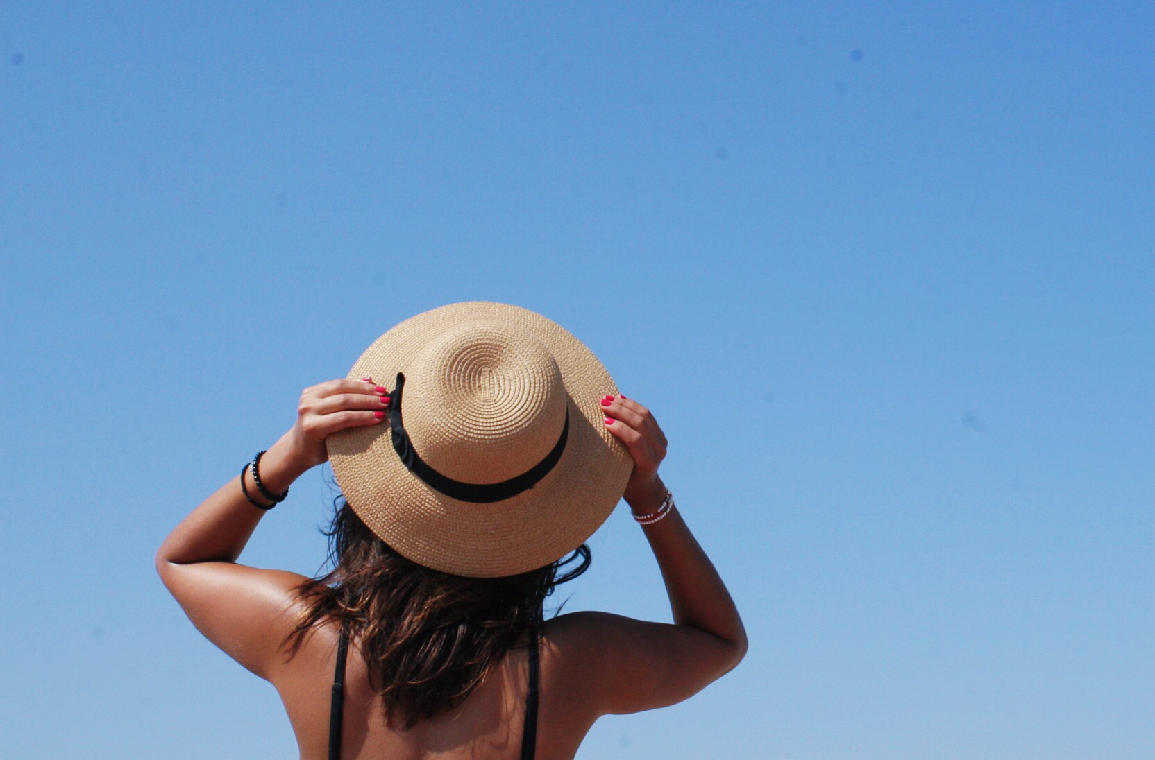 straw hat, blue sky,