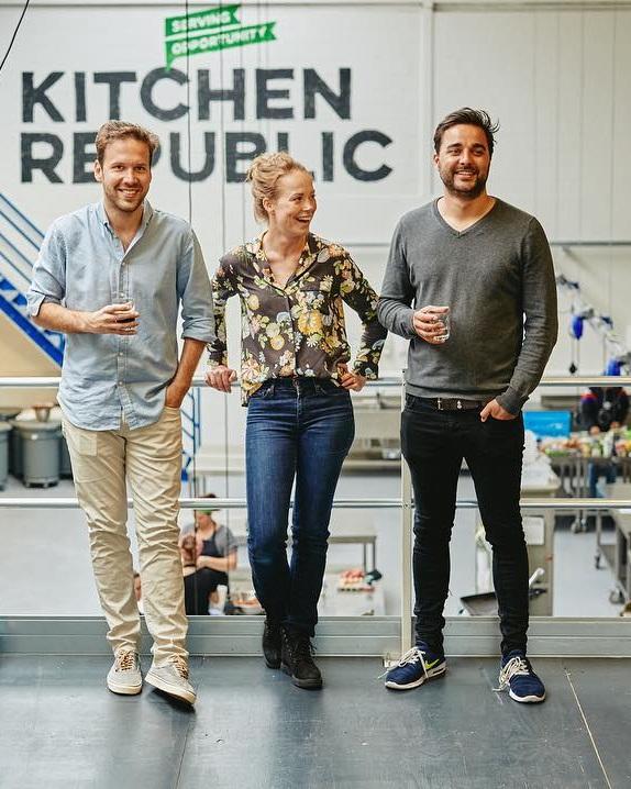 Groei mee met Kitchen Republic - Omdat Kitchen Republic alweer bijna haar 5e jaar in gaat (!!!), zijn we op zoek naar nog meer groei. In de vorm van nieuwe members, nieuwe programma's, maar ook meer keukenruimte.Deze maand lanceerden we een campagne via onze partner CrowdAboutNow om via onze