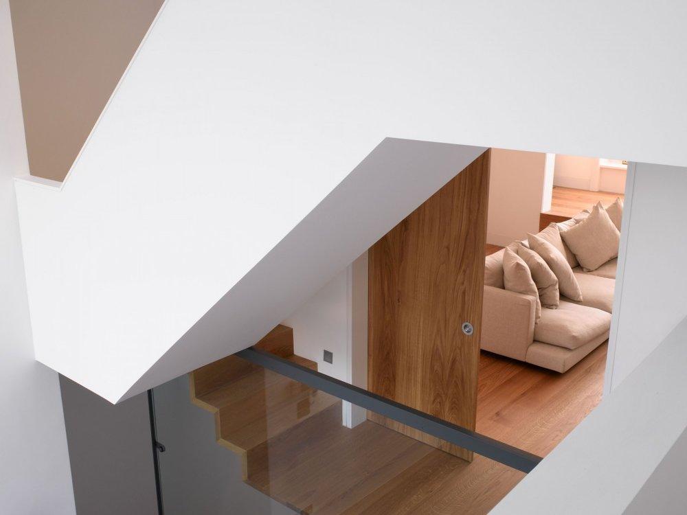 mikhail-riches-terrace-house-005-1200x900.jpg