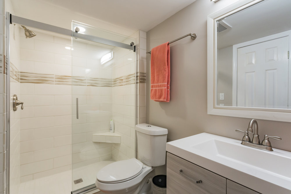 Second full bath with walk-in shower