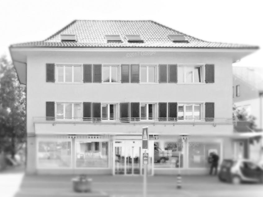 Unser Büro - Das 1989 gegründete Architekturbüro wurde1997 von Thomas Rieder übernommen und weitergeführt. Wir setzen uns ein für eine zeitgemässe Architektur, abgestimmt auf den Ort und die Bedürfnisse unserer Auftraggeber. Eine verantwortungsvolle, ganzheitliche Betrachtung von Architektur, Energie, Gesellschaft und Umwelt ist für uns selbstverständlich.info(at)arch-rieder.ch