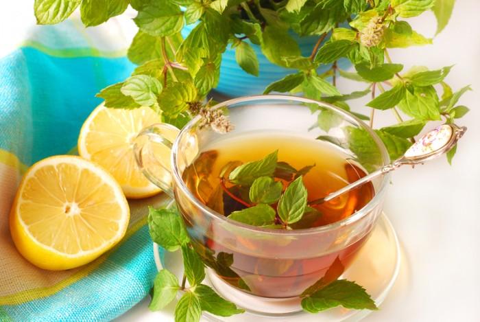 fresh-mint-tea-with-lemon-e1424782093525.jpg