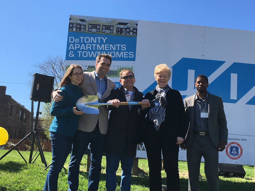 Board Member and TGNCDC Secretary Colleen Hafner, TGNCDC Executive Director Sean Spencer, Alderman Conway, TGNCDC Board President Janice Drake and SNIA President Emmett Coleman pose for a photo at the 4100 Detonty Ground Breaking event
