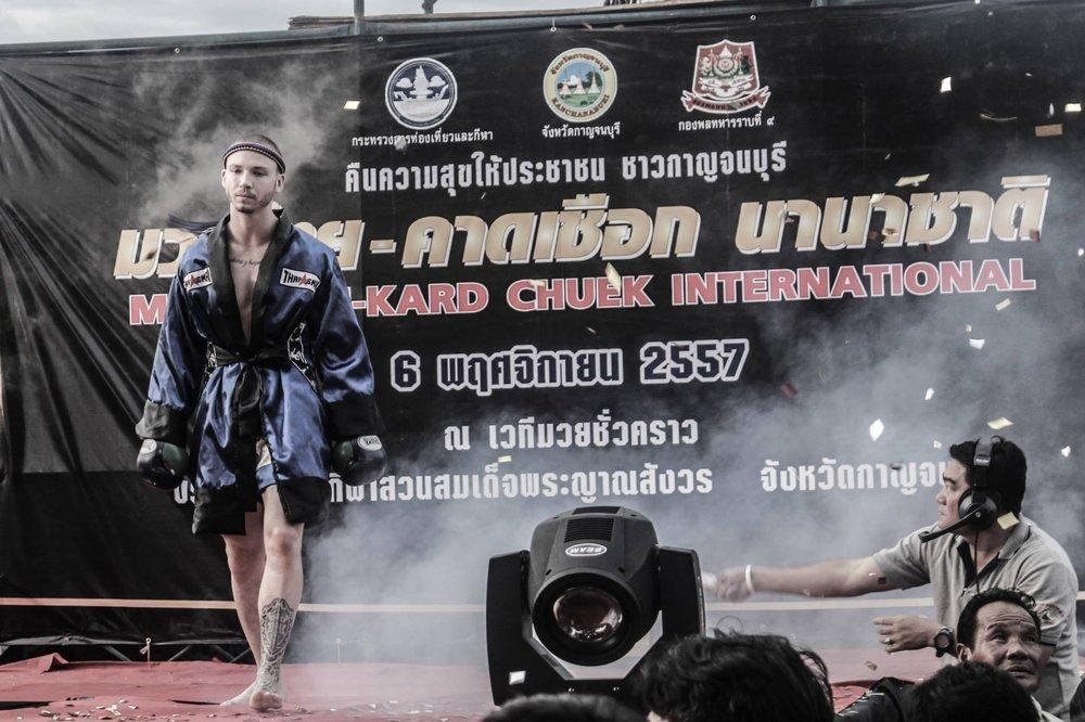 thailand fight.jpg