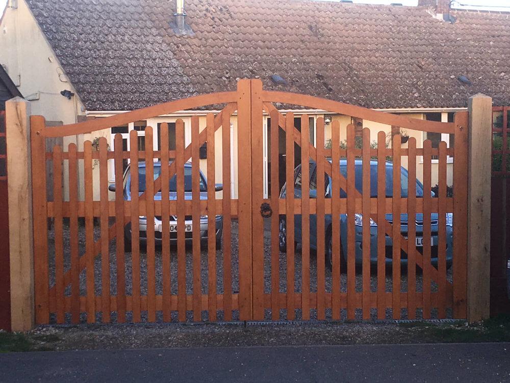 Fully paled driveway gates