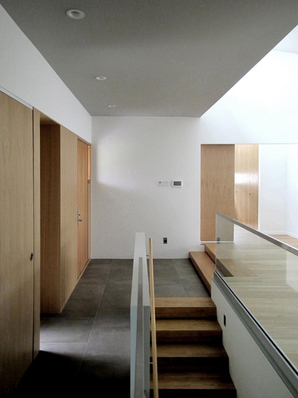 Highlawn foyer-2 HR 2500x1875.jpg