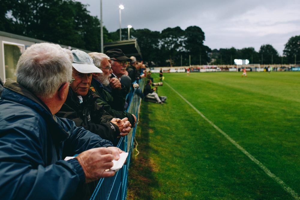 csnfootballagency-scouts-observing-players.jpg