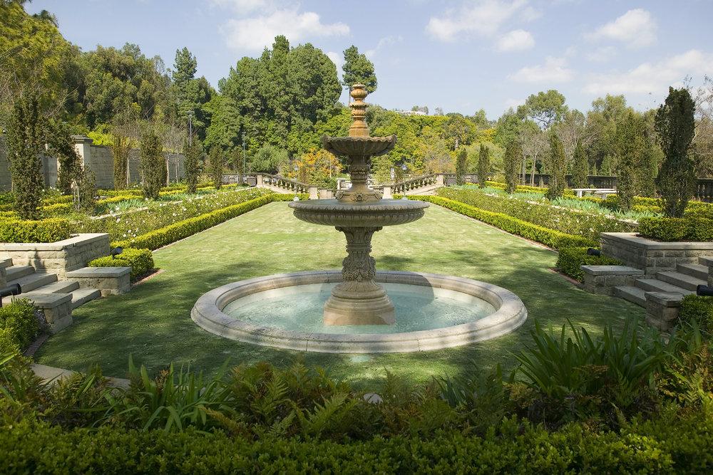 Greystone Mansion and Park fountain.jpg