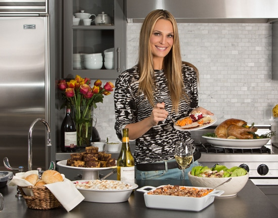 10823_content_Molly-Sims-Friendsgiving.jpg