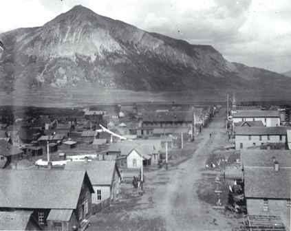 Historic_Photo-_Elk_Avenue.jpg