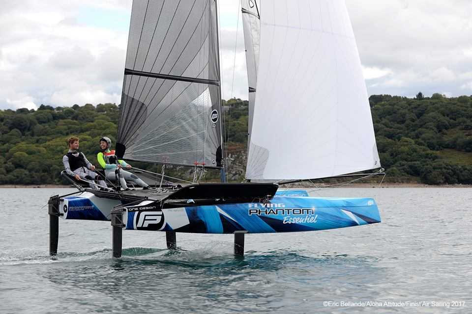ESSENTIEL - REAL WORLD RACINGFor foiling week-end racers willing to race with innovative formats in a fun atmosphere.
