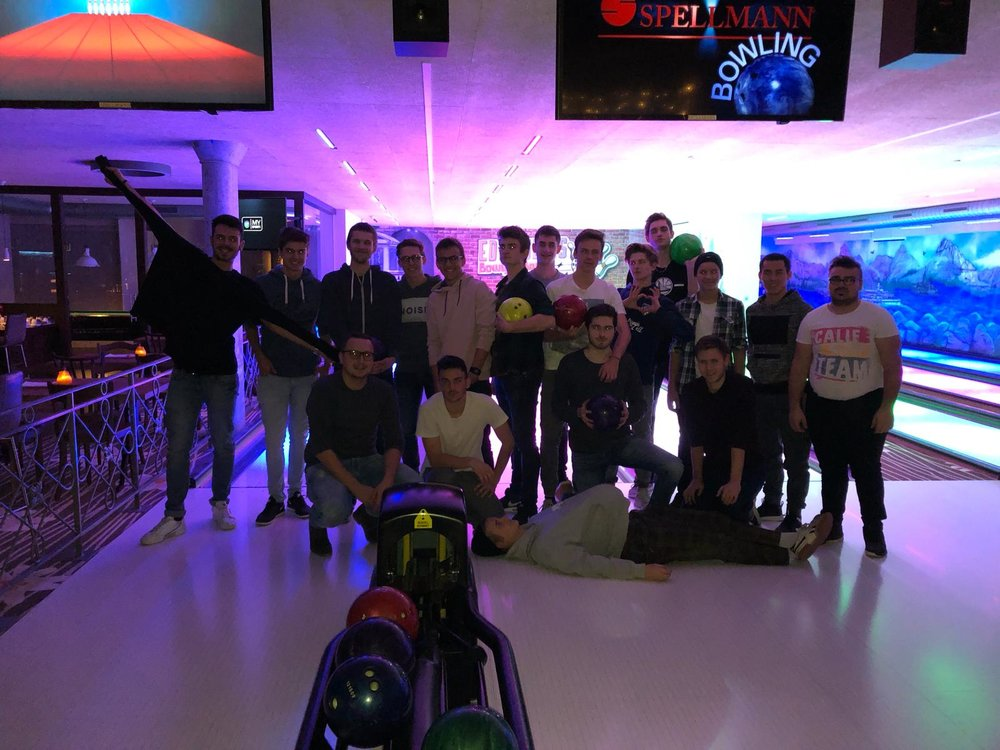 Team Event der A-Junioren mit Bowling.