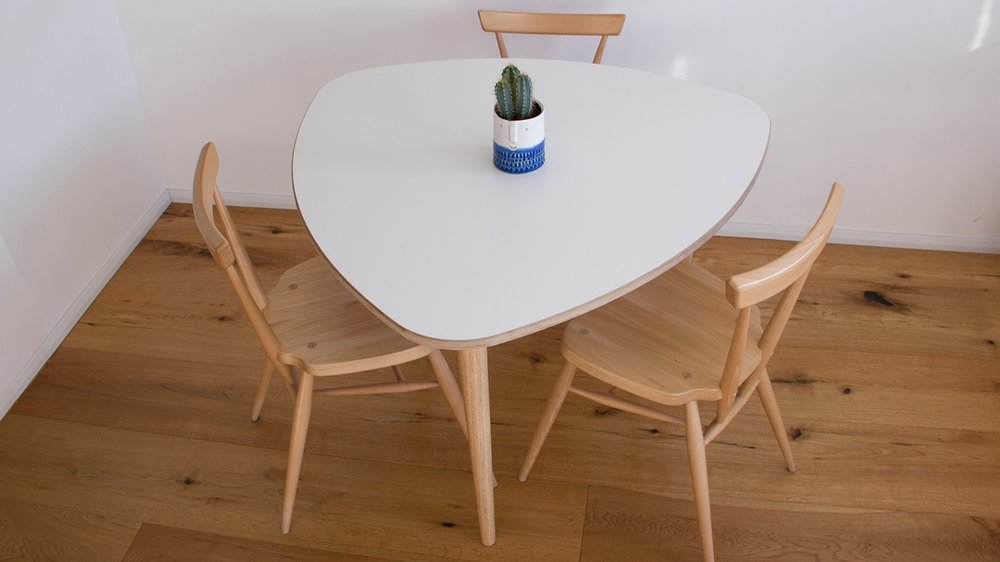 Plettro+-+table+003+pic.jpg