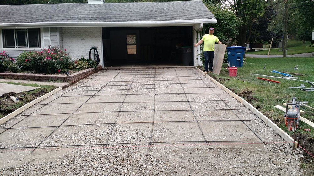 2. One Day Replacement - Our team will show up at 7AM to start the removal process, pour and level your new driveway, and be out of your way by 5PM.