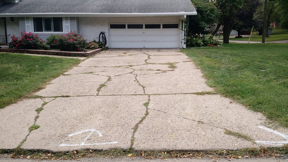 404 error - WHOOPS. THIS PAGE IS BROKEN. - LIKE YOUR DRIVEWAY. - 404 ERROR.