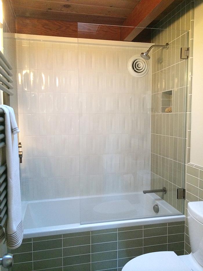 Vincente bathroom.jpg