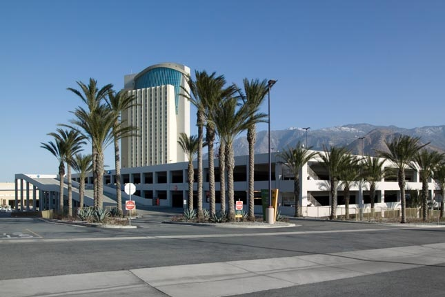 MORONGO CASINO RESORT & SPA PARKING STRUCTURE - Cabazon, CAFive story post-tensioned concrete structure for 1740 cars.Contractor: BOMEL CONSTRUCTION