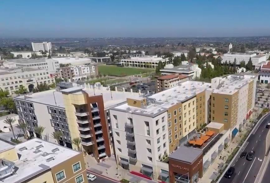 SOUTH CAMPUS PLAZA DESIGN-BUILD PARKING STRUCTURE - San Diego State University, CASix story post-tensioned concrete structure for 296 cars plus ground level retail and central plant for adjacent residential project.Contractor: SUNDT CONSTRUCTIONArchitect: SGPA ARCHITECTURE