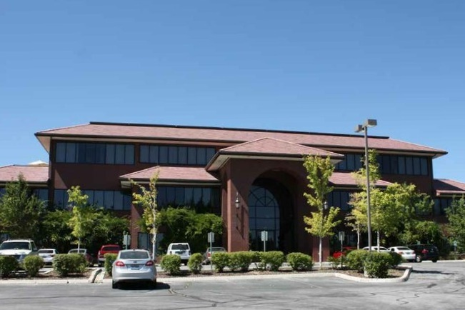 LAKERIDGE OFFICE BUILDING - Reno, NVThree story structural steel office building with 60,000 square feet of office space. The office building is supported at the plaza level by a post-tensioned concrete slab over one level of sub-terranean parking.Contractor: AMTECH CONSTRUCTION