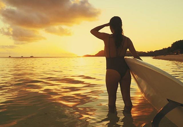 "Sunset Framegrab from my upcoming doc ""MEHERIO"" with @mathildezampieri  @liftedfilmsmedia @airtahitinui #documentary #film #director #ocean #paddleboarding #awesome #epic"
