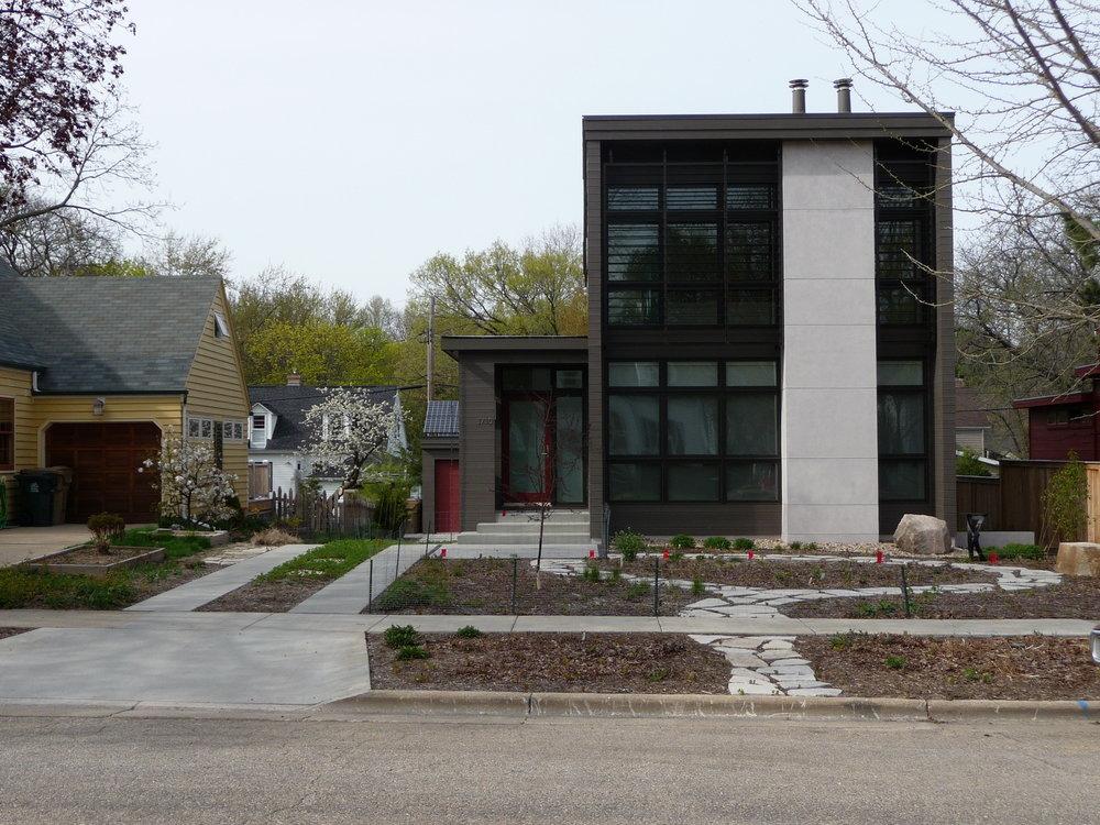 Ross Street House, 3730 Ross St.