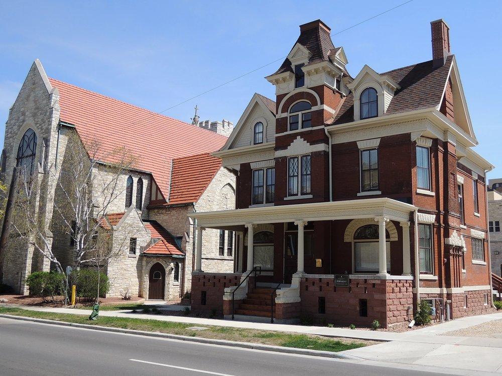 Steensland House