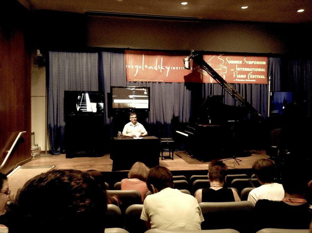 One of the daily lectures on specific aspects of physicality and motion at the piano