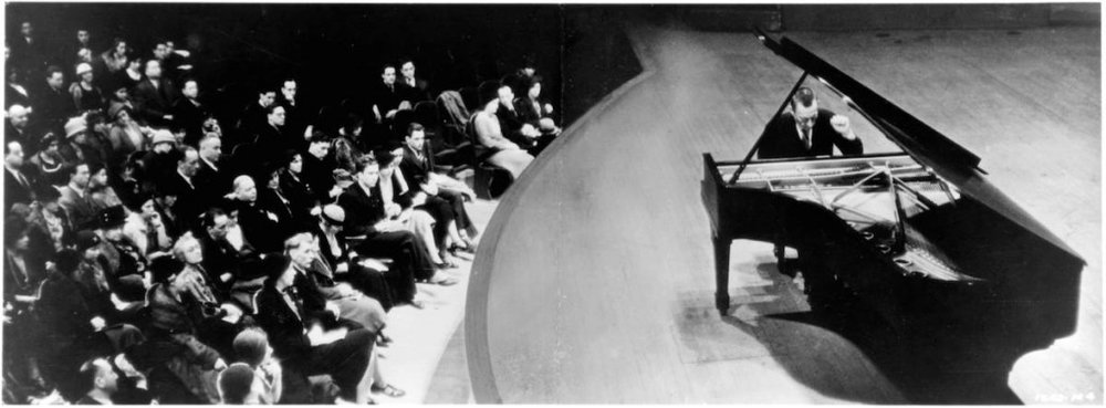 Rachmaninoff–pictured here in Amsterdam–took a dummy keyboard with him when sailing overseas. I don't think he would have blogged about it though.