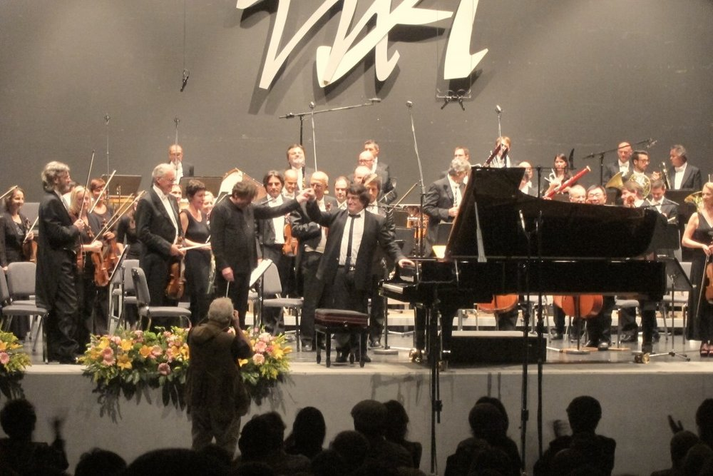 Sergei Babayan with Maestro Jacek Kaspszyk and the Orchestra della Svizzera Italiana after Babayan's colossal performance of the Prokofiev Second Concerto