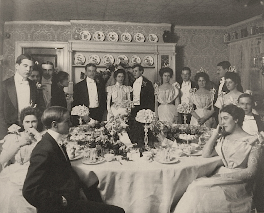 A party on the Avenue, c.1901. Some were described to have cakes stretching to the ceiling, and champagne fountain towers of glasses. House concerts brought in the most famous performers of the day, including Enrico Caruso, Amelita Galli-Curci, and Sergei Rachmaninoff.