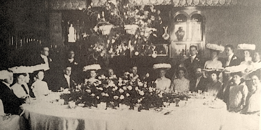 A wedding party c.1890. I want one of those hats...