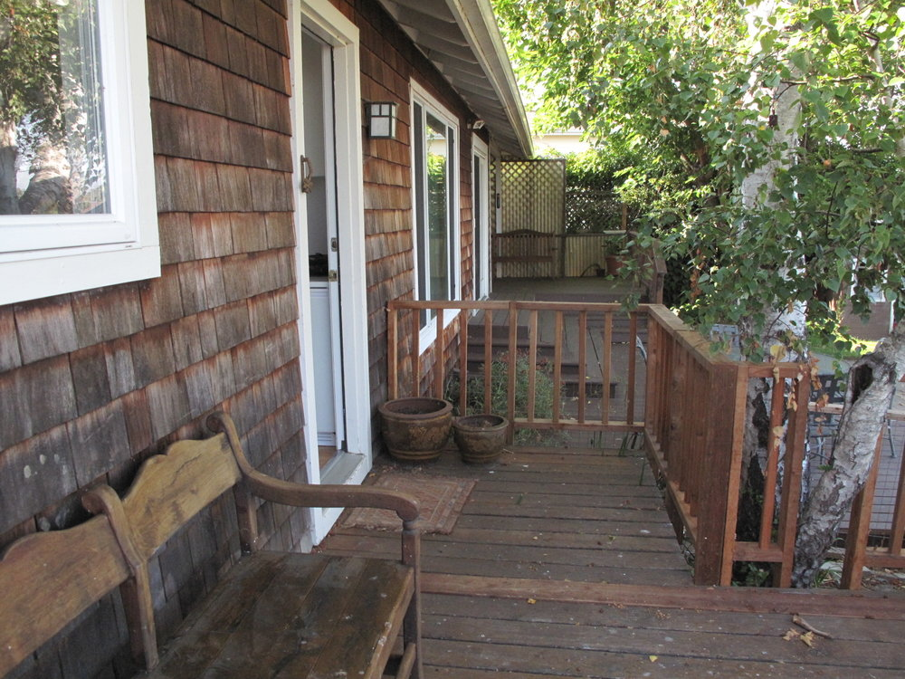 Private entry and deck