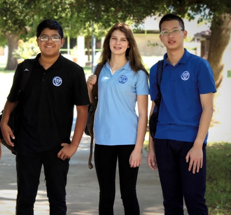 Friends - Meet current and future Thunderbird students. At Thunderbird our friends become our family.