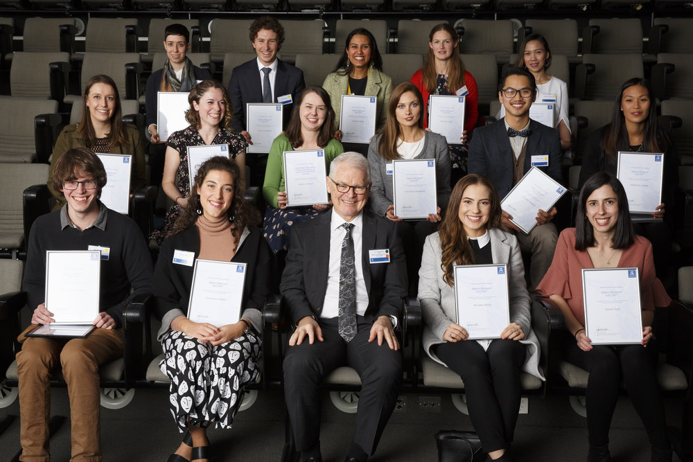 Dr Jim Watterston with the 2018 Dean's Honors List Melbourne Graduate School of Education awardees