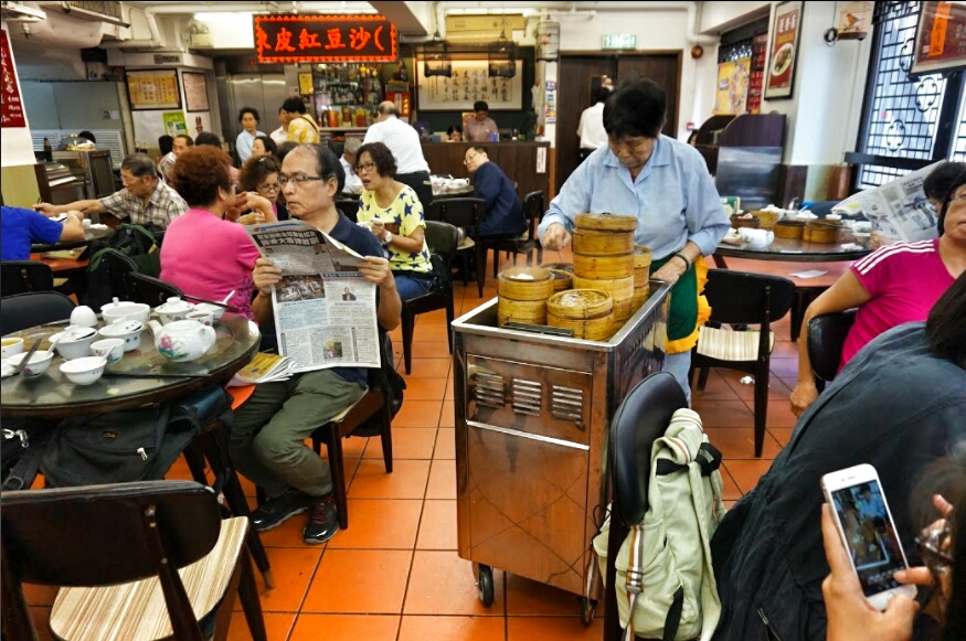 enjoy a dim sum tour in hong kong with hong kong tour guides