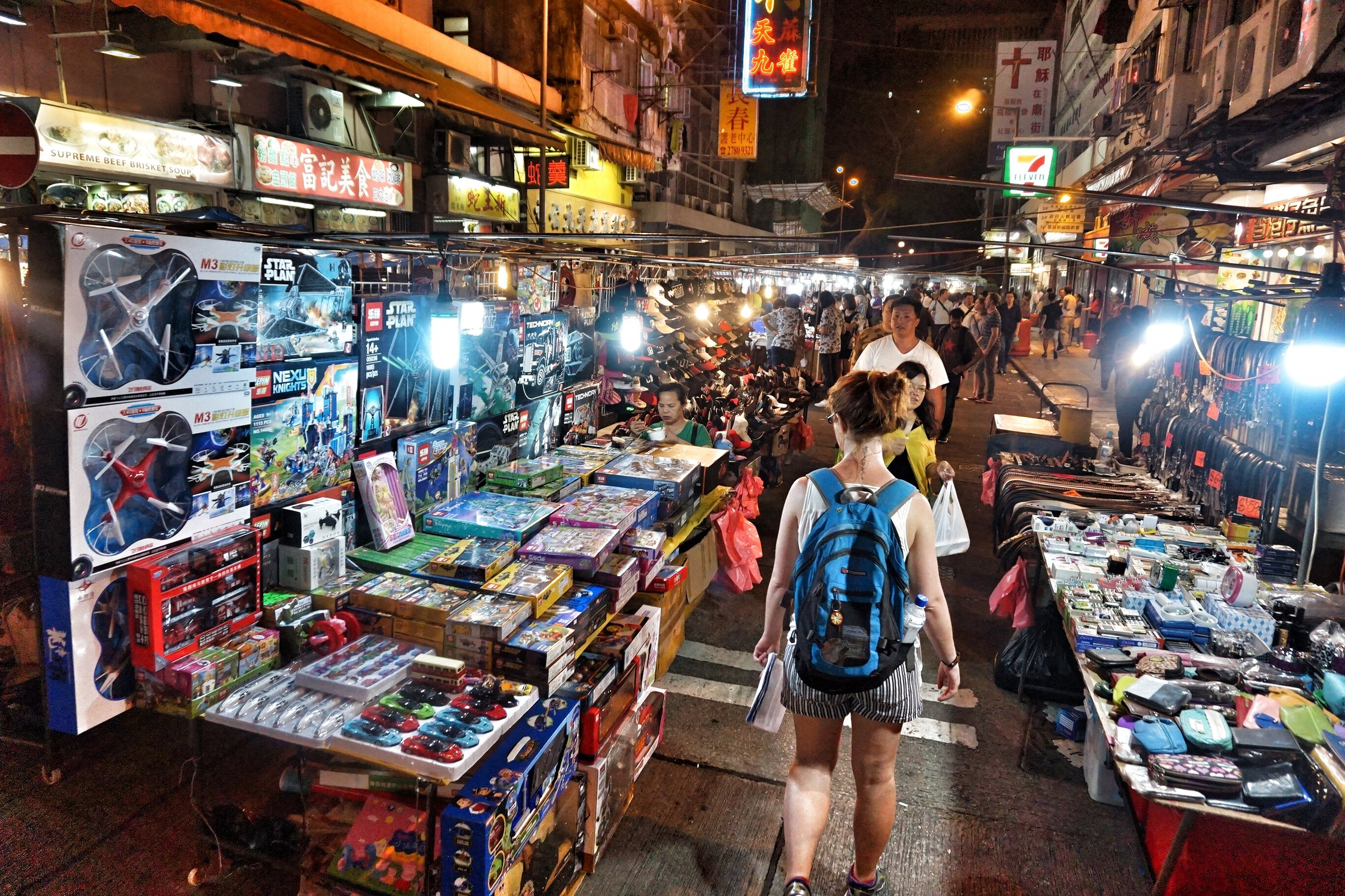 Check out the markets on your night tour Hong Kong